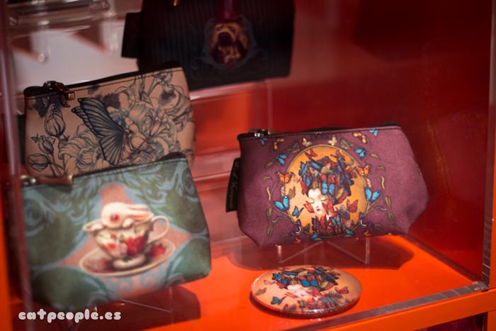 Bolsos, espejos y carteras de Benjamin Lacombe