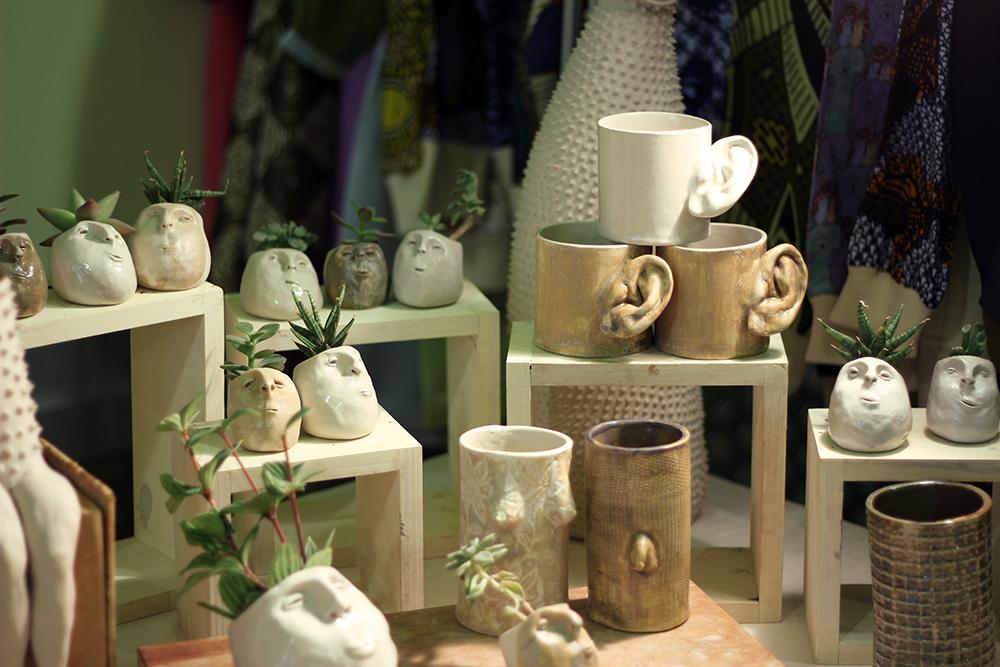 Flor Maqvey Uno Creaciones Cerámica Nómada Market tazas con orejas