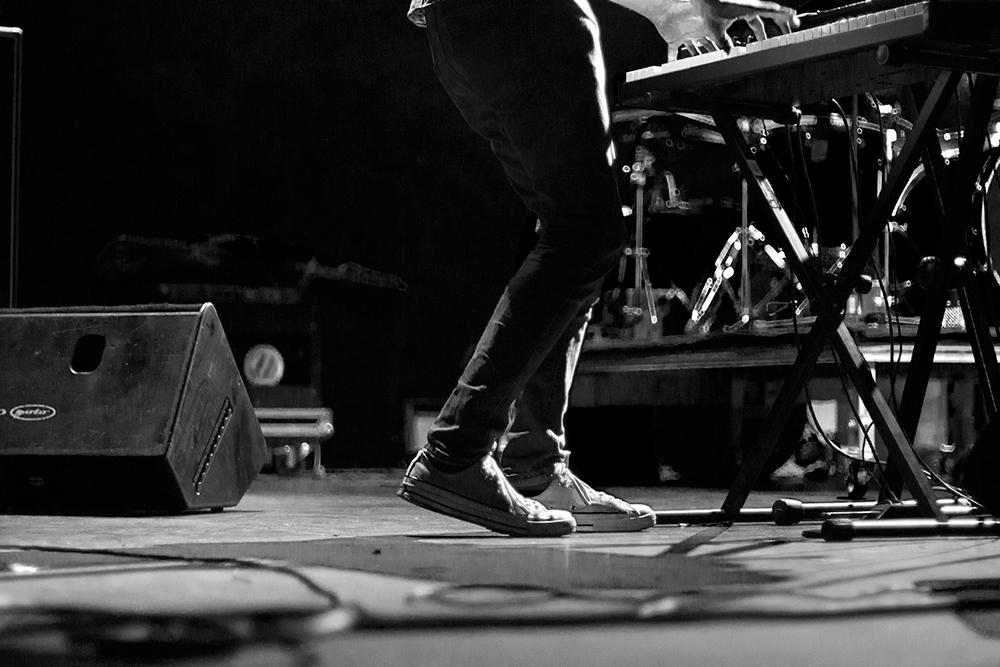 Concierto de Tulsa en el South Pop de Sevilla 2015 - en el escenario con teclista de Tulsa