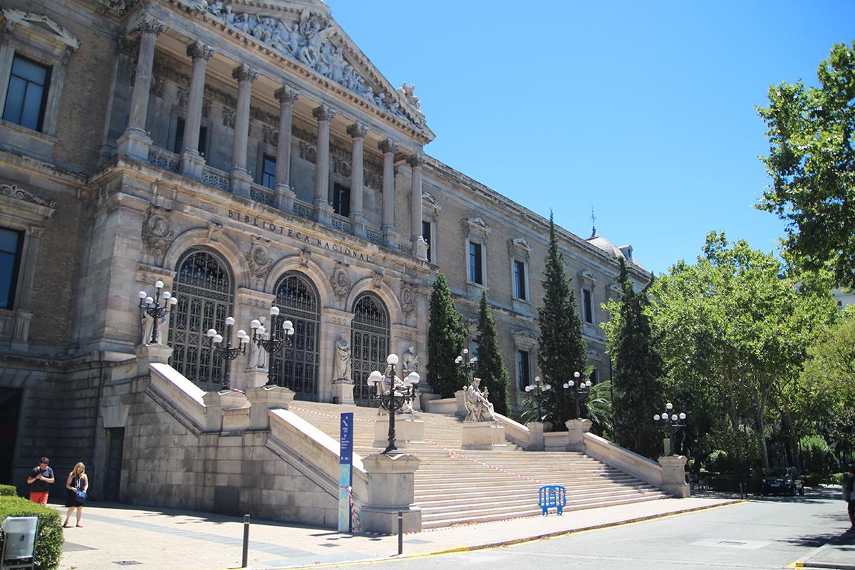 Taller sobre Pop Up Desplegar un Nuevo Mundo en la Biblioteca Nacional